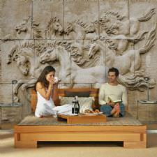 Antik Duvarda Oymalı Atlar Duvar Kağıdı