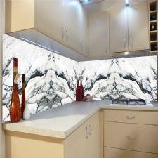 Beyaz Mermer Görünlü Tezgah Arası Cam Panel
