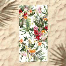 Tropikal Çiçekler Dijital Baskılı Plaj Havlusu